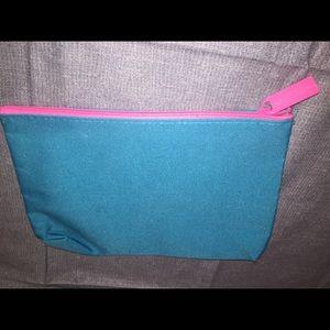 Estée Lauder's Blue Makeup Bag / Pink Zipper